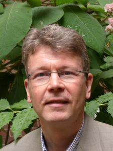 """Prof. Dr. Michael Utsch, Theologe und psychologischer Psychotherapeut, Leiter des DGPPN-Referats """"Religiosität und Spiritualität"""", Wissenschaftlicher Referent der Ev. Zentralstelle für Weltanschauungsfragen,"""